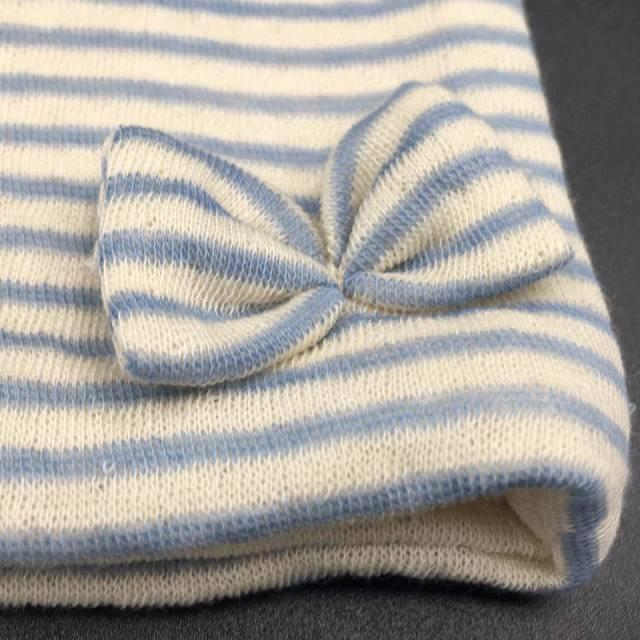 医療用帽子 リボン 水色ボーダー帽子 リボンのアップ