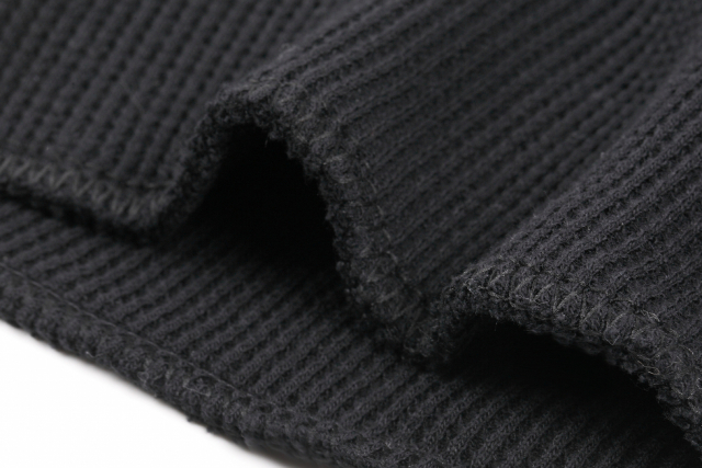 真っ黒だんだん帽子